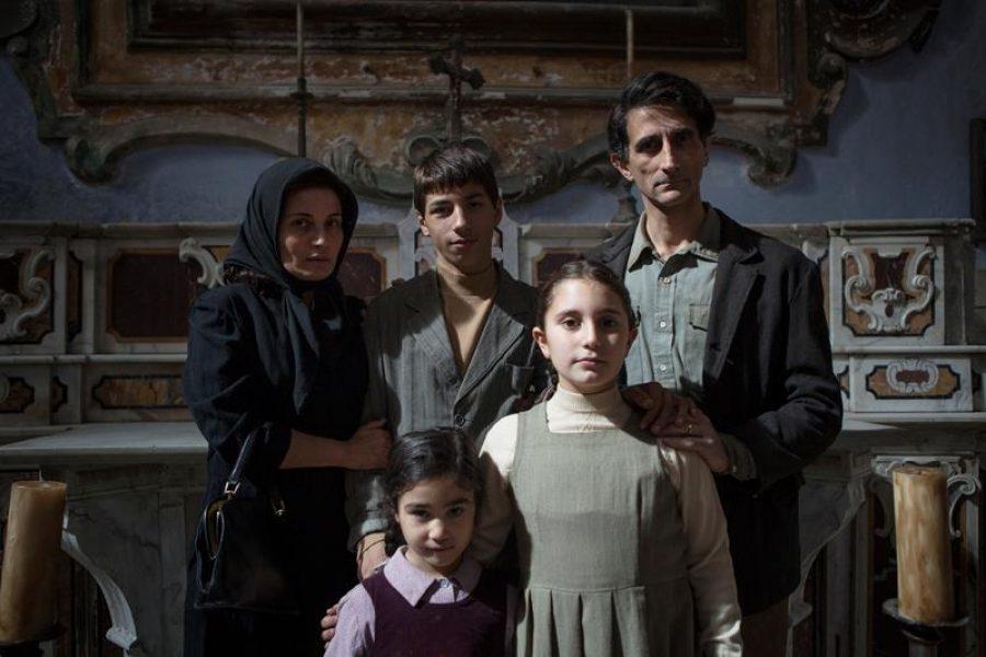 La famiglia Peluso_in alto da sx Zinno (Giuseppina), Catena (Antonio bambino) e Canonico (Alfredo). in basso da sx Bevilacqua (altra figlia) e Bellamoli (Carmela bambina) (Copy)