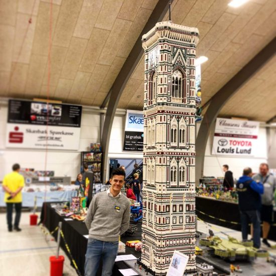 MOC - The tower bell of FlorenceÔÇÖs Duomo (100.000 bricks) (1)