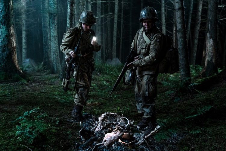 (L-R) Iain de Caestecker as Chase and John Magaro as Tibbet in the film, OVERLORD by Paramount Pictures