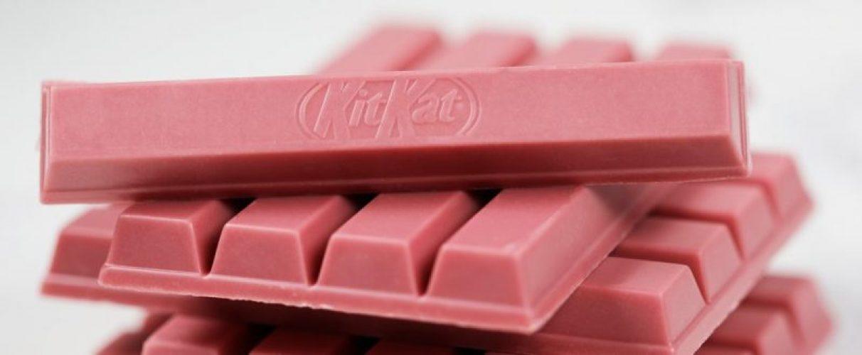 Un cacao che sembra la 'quarta generazione', dopo quello fondente, al latte e bianco, grazie a un innovativo processo produttivo che esclude l'uso di coloranti.
